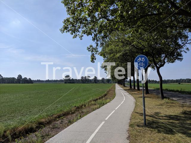 Bicycle path path towards Tubbergen, The Netherlands