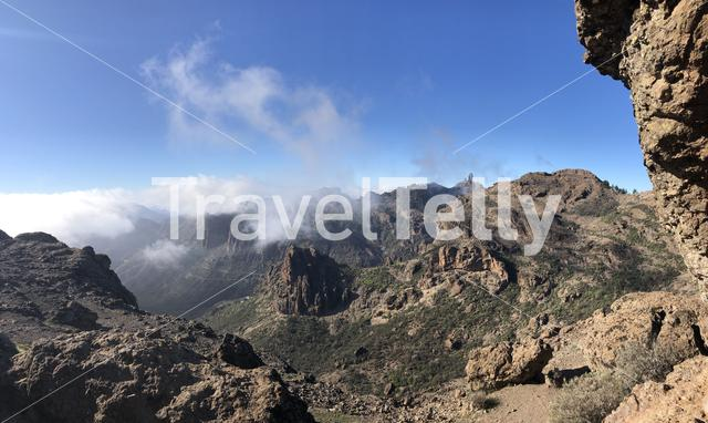 Seeing Roque Nublo from Ventana del Nublo on Gran Canaria