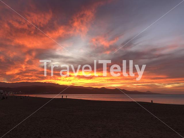 Sunset at Las Canteras beach in Las Palmas, Gran Canaria