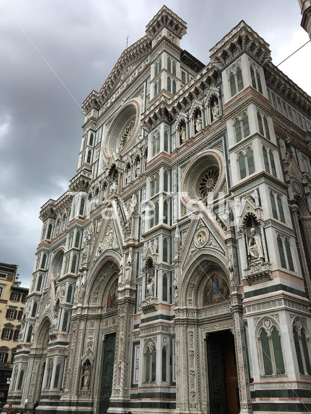 The front facade of the Florence Cathedral (Cattedrale di Santa Maria del Fiore) in Firenze, Tuscany, Italy.