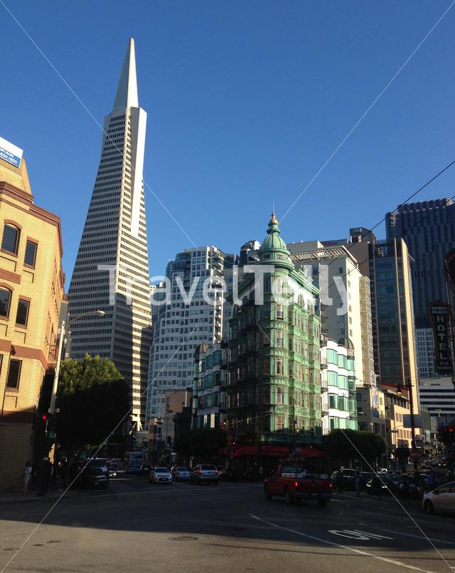 Transamerica Pyramid and cafe zoetrope in San Francisco