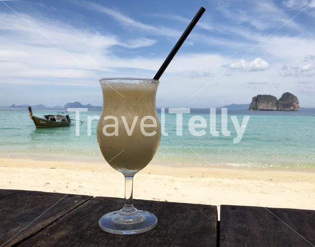 Smoothie at the beach of Koh Ngai in Thailand