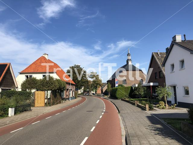 One street, two countries in Dinxperlo with left The Netherlands and right Germany