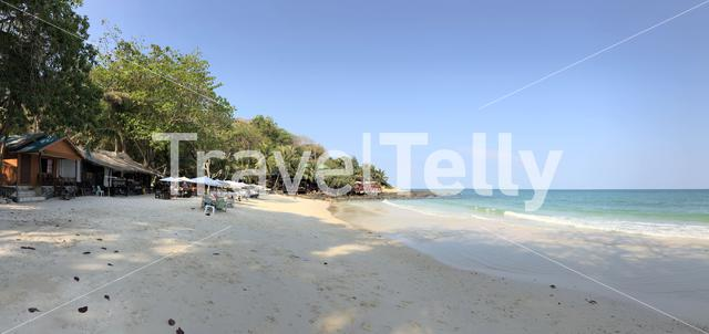 Beach panorama of Koh Samed island in Thailand