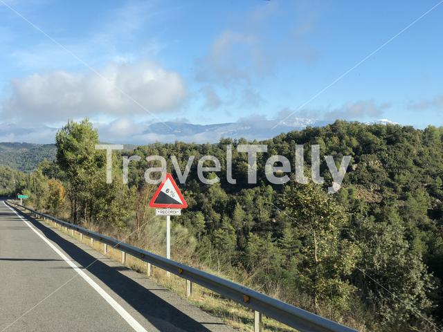 Downhill sign in Spain