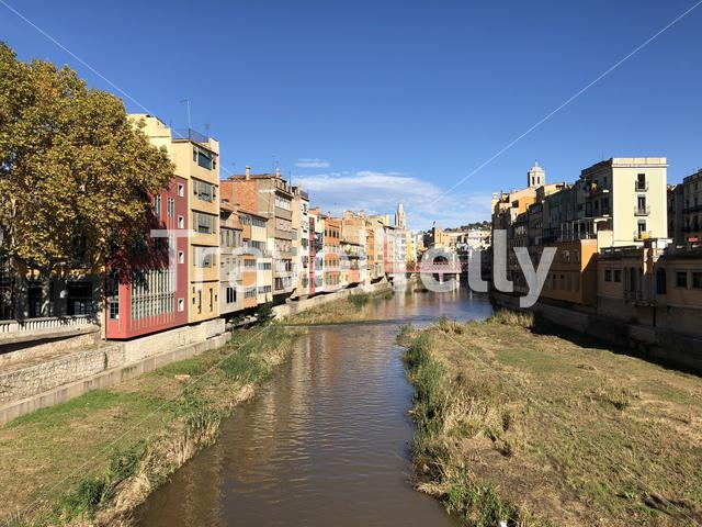 View from the Pont de Pedra bridge over the Onyar river in Girona, Spain