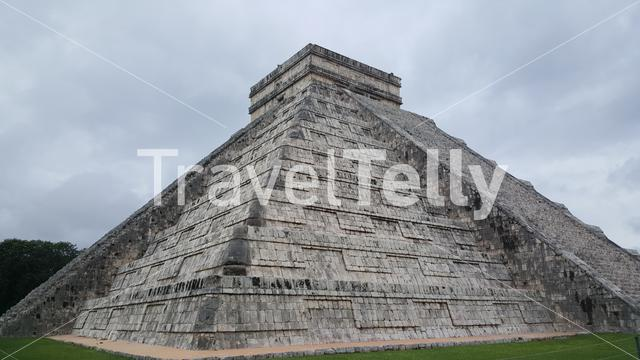 Step-pyramid & Maya temple at Chichen Itza archaeological site in Mexico